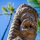 Ki'i wooden sculpture guarding the Hawaiian city of refuge on the Big Island